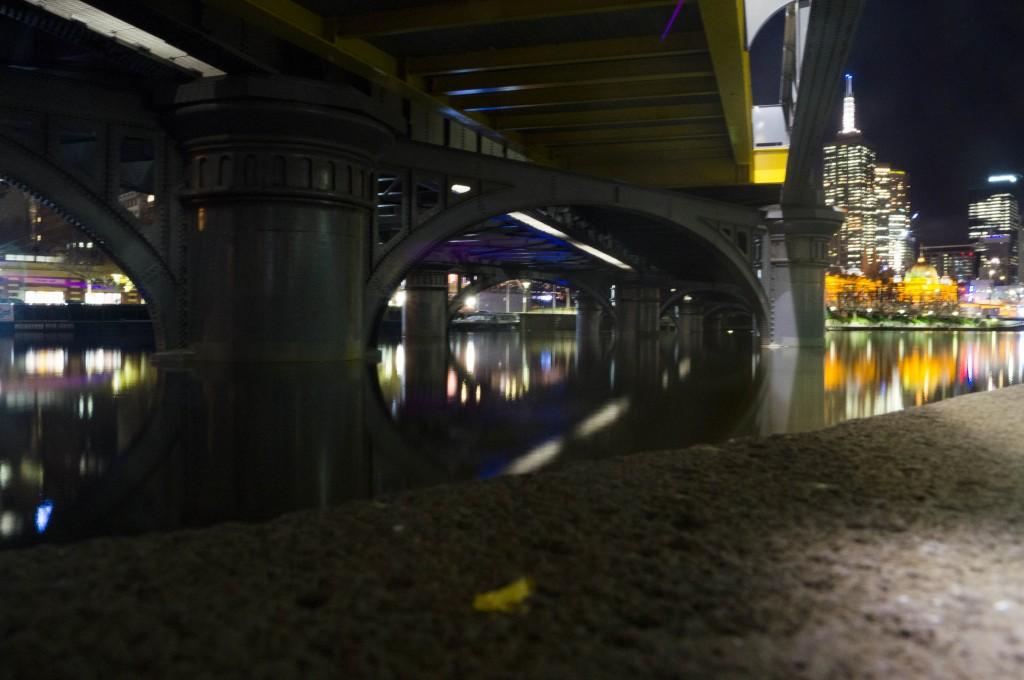 A Melbourne bridge at night