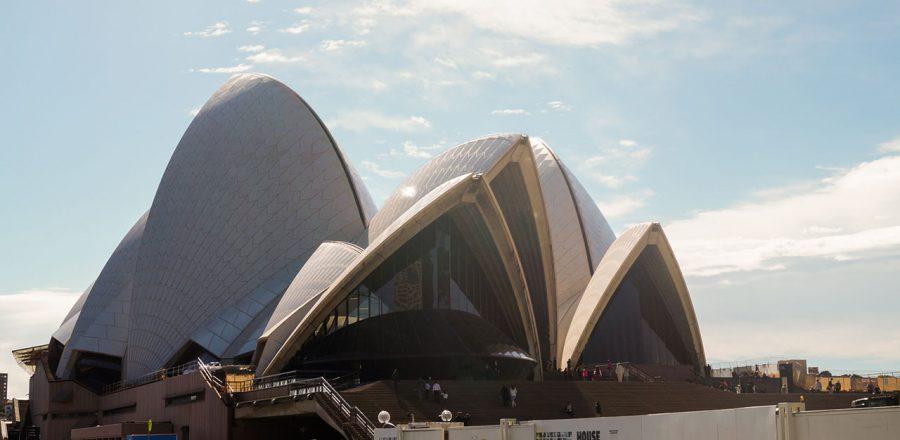 Using the Sydney Bus Tour to explore the city